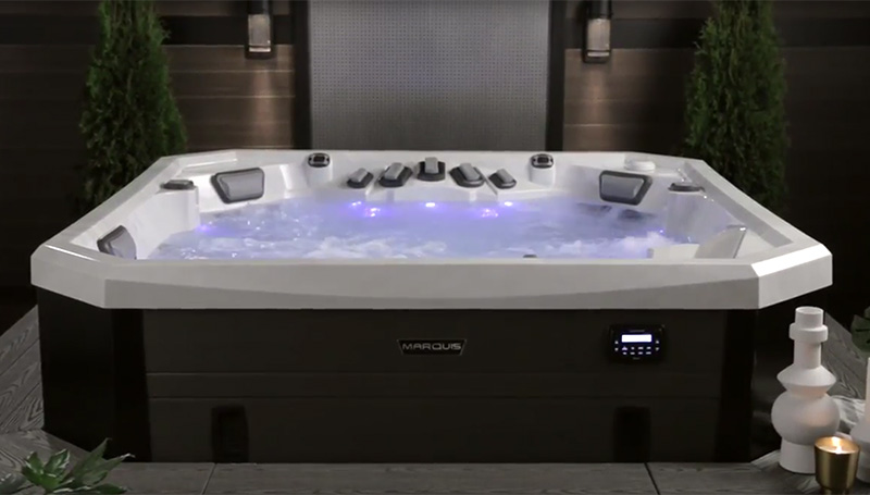 Vector 21 (6 Person) by Marquis Spas